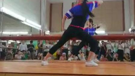 防城港市教育局、市群众艺术馆  戏曲操培训班