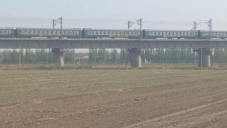 K7833(太原~吕梁)太中银铁路桥通过去交城方向