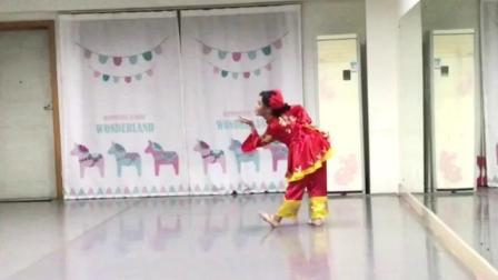 恬姐第一次穿战袍排练——中国芭比