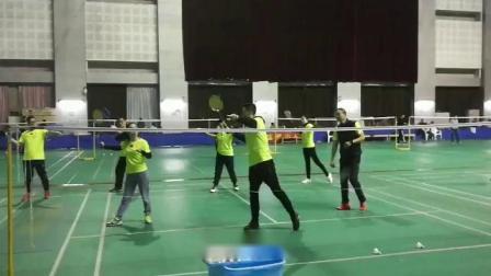 高威羽毛球教练讲解羽毛球中后场抽球,苏州威羽少儿羽毛球培训,相城区最专业的