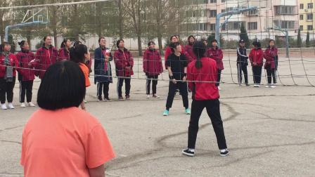 甘旗卡二中女生排球赛