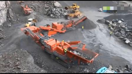 江西石城赣东矿机最大型石子石头破碎机1090视频采石场移动车载碎石机工作视频