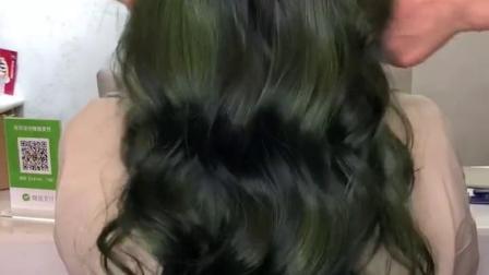 一款睡不醒烫发➕不用漂,超显白的抹茶绿❤️❤️真的很美,拿图去美发店吧!你也可以做到 💕