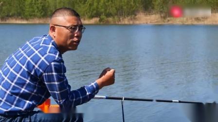 野钓鱼钩吃的太深还伴随频繁挂底跑鱼,幸亏及时调整,收获鲤鱼