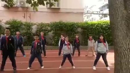 静安区闸北第三中心小学 学习陈式太极拳第9节课。 教练马春玲。