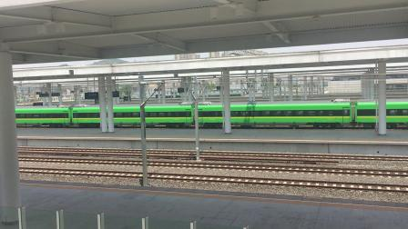 沪昆线 D5686(动集)义乌-上海南 杭州南站普速场15道通过去盈宁方向。