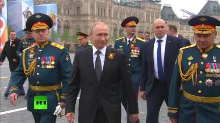 Путин возлагает венок к Могиле Неизвестного Солдата [2019.05.09]