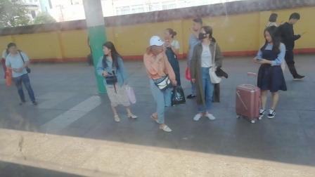 T148次 北京-南昌 丰城1站台3道进站
