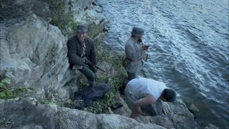 巩大河抱石憋气潜水打捞