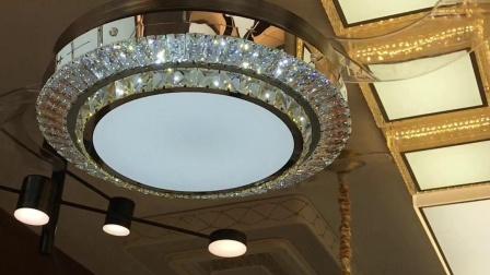 8126金色风扇灯,餐厅卧室书房吊扇灯。