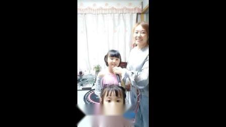 百变达人-韩甜甜和妈妈共同演唱《有点甜》,进来聆听天使般的声音!