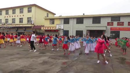 开场舞《缘分让我们在一起》樟树市广场舞姐妹联谊会 2019年5月19日