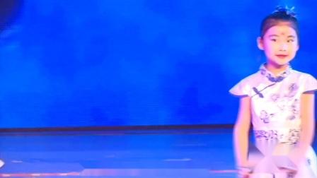 幼儿园舞蹈视频2019最火《青花瓷》