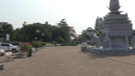 老挝首都万象凯旋门广场之一
