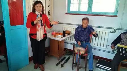 温升芹演唱《借年之后》见汉喜背爱姐回家去