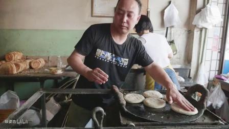 山西省稷山县特色美食:油酥烧饼!又酥又软又脆,顾客十分喜爱!