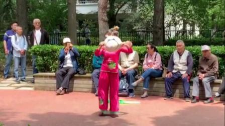 精灵宝贝广场舞《在希望的田野上》