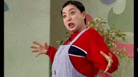 我在晶晶秘传: 女子唱京剧扮演关羽, 一开始还很正常, 后来把老师都带跑了截取了一段小视频