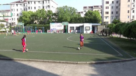 哈密小将足球训练忙——记哈密路小学女足入夏第一次训练