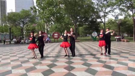 交誼舞·三步踩(三對跳1)