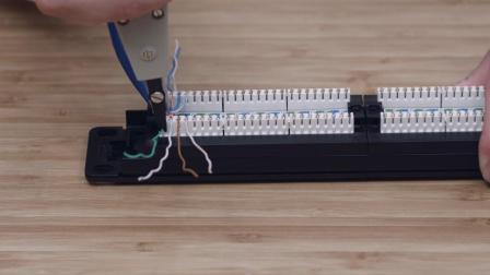 飞速(FS)Cat6网线端接非屏蔽打线理线架教程