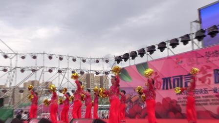 克拉玛依市2019年五一节庙会—银河街道苑泉社区舞蹈开门红----摄影上传杨国禄《摄影录音杨》-主办:克拉玛依宣传部、克拉玛依区人民