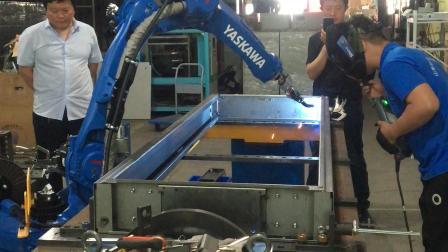 电气柜焊接机器人 安川焊接机器人 焊接机械手