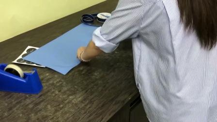 花束包装方法教程蓝色满天星花束包装
