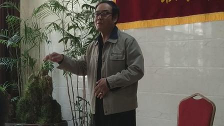 潘老师在演唱《天路》。