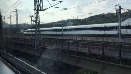 乘坐D2818次列车去贵阳北.4 (龙里北-贵阳北区间)