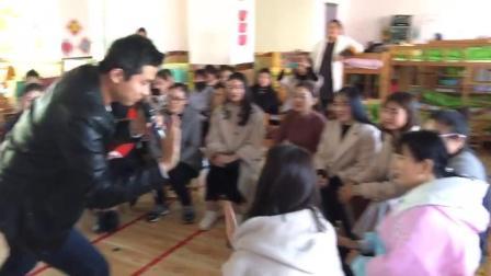 洪恩教育英语培训老师水哥