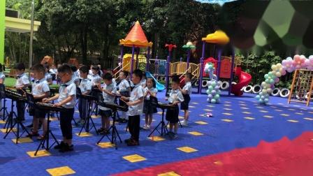 """长颈鹿幼儿园小朋友欢度""""六一""""儿童节表演节目。"""