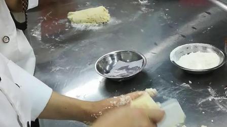 核桃酥,莲蓉酥一样的揉法