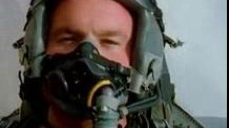 我在蓝天铁翼-红旗军演  战机飞行员截了一段小视频