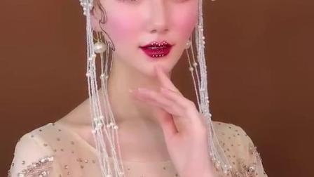 武汉化妆学校-女王范十足的巴洛克风格妆容造型