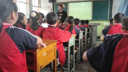 公开课  三年级《小伞花》  音乐教学视频