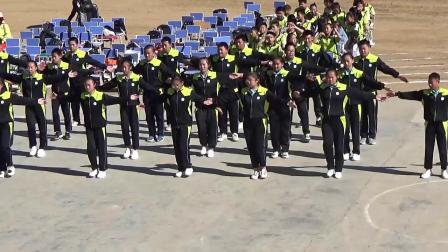 黑龙江省甘南县兴十四镇中学七年二班两操比赛