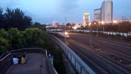 [京沪线北京南站站外]京局京段SS9G 0179牵引T215次 北京-泰州 通过