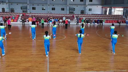 灵石县老年体协健身球培训…歌唱祖国,教练队表演