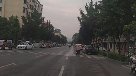 栾川县城一条街道