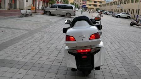 2012年本田GL1800 金翼 最顶配 带气囊 ABS 倒档 定速巡航 等等 整车原板原漆。