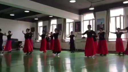 维吾尔族舞蹈《刀郎麦西来甫》