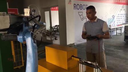 力恩工业机器人培训中心 机器人编程培训