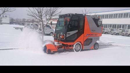 小型多功能路面清扫车视频-扫路车视频-扫路机扫雪视频-洗扫工作视频