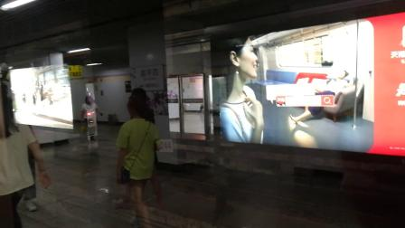 10号线(热带鱼1016)四平路往虹桥火车站出站(此车为11.9.27事故车之一)