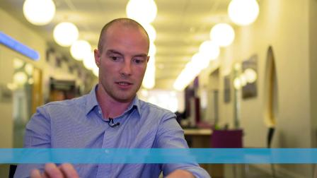 考文垂大学商学院 | 科技改革商科教育方式