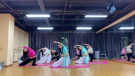 杭州市太拉国际东方舞瑜伽培训学校 —— 琴美老师与舞韵瑜伽学生集体《云烟成雨》
