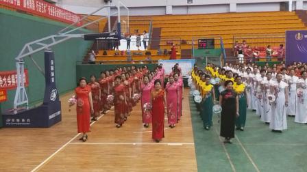 6月24号上午在焦作电厂体育馆举办成立庆典《中国旗袍舞韵行走艺术专业委员会焦作分会正式成立》有中国舞蹈协会主席杨艺颁发证书。