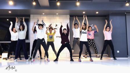 怎样?-泫雅【哼哈舞社】韩舞女团爵士舞课堂拍摄