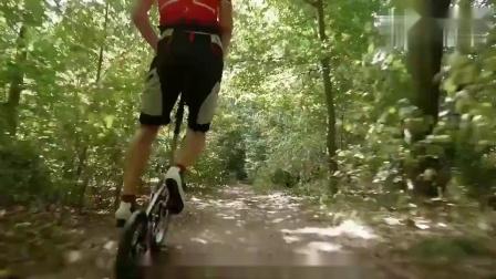 世界最小最轻的折叠自行车,装在包里就能带走!